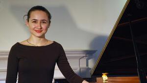 Ödüllü piyanist Anna Tsybuleva CRRde