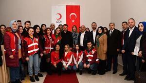 Başkan Dinçer, Kızılay butik mağazasının açılışına katıldı