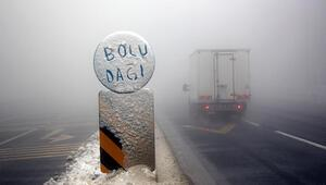 Bolu Dağı D-100 Karayolunda sis ulaşımı yavaşlattı
