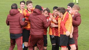 Haftanın ilk derbisini Galatasaray kazandı