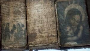 Adanada tarihi kutsal kitaplar ele geçirildi