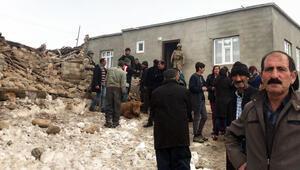 Son dakika: Van depremi sonrasında peş peşe uyarılar