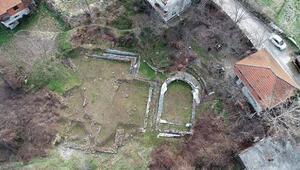 Bahçesinde sera kurarken Roma dönemine ait yerleşim buldu