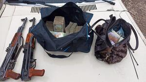 Son dakika haberi: Tel Abyad'da eylem hazırlığındaki 5 terörist yakalandı Tüfek ve para dolu çanta...