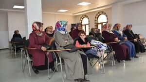 Bilgi Evinde öğrenci ve velilere iletişim semineri