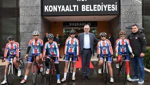 Konyaaltına Bisiklet Takımı