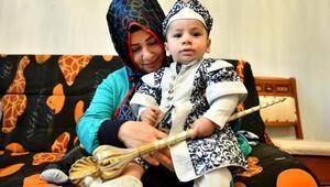 Büyükşehir Belediyesi, sünnet kıyafeti isteyen ailenin yardımına koştu