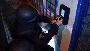İstanbulda DEAŞın sözde emir yapısına operasyon: 13 gözaltı Operasyonda 'duvar arkası radar' cihazı kullanıldı