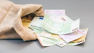 Almanya yine bütçe fazlası verdi