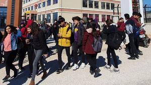 Hareketli dakikalar Okul tatil edildi