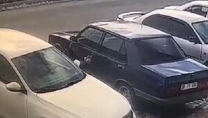 Otomobilden cep telefonu hırsızlığı kamerada