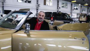 Sanatçı Volkan Konak, Elvis Presleyin koleksiyonundan aldığı klasik otomobiline kavuştu