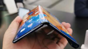 Huawei Mate Xs: İşte Çinlilerin yeni katlanabilir telefonu