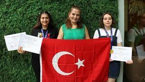 Endonezyadaki bilim yarışmasından 2 altın madalyayla döndüler