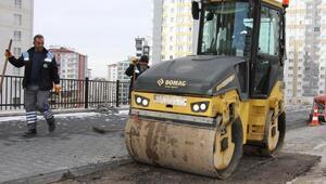 Talasta asfaltlama çalışmaları sürüyor