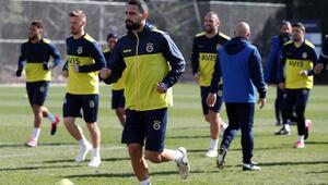 Fenerbahçede Antalyaspor mesaisi sürüyor