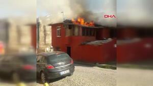 Son dakika Fatihte 2 katlı binada yangın
