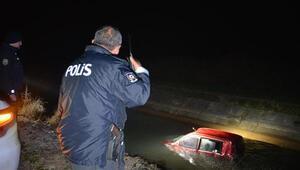 Sulama kanalındaki araç, polisi alarma geçirdi