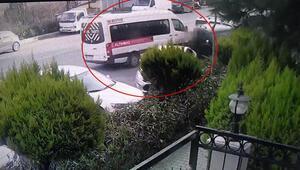 Servis sürücüsü direksiyon başında fenalaştı Kaza anı kamerada