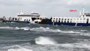 Son dakika haberler... Çanakkalede fırtınanın sürüklediği feribot karaya oturdu