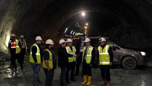 Vali Şentürk, YHT Tünel26 çalışmalarını inceledi