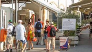 Kıbrıs'ta, corona virüs nedeniyle kuzey ve güney sınırları kapatıldı