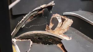 Avcılarda yerinden çıkan rögar kapağı metrobüse saplandı: 1 yaralı