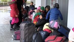 Göçmenler bugün de Edirneye gidiyor