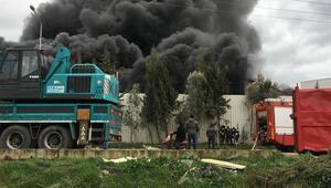 Son dakika haberler: Manisada geri dönüşüm tesisinde yangın paniği