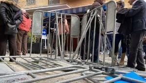 Kıbrısta kapıların kapatılması protesto edildi