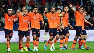 Medipol Başakşehir liderlik için sahada Rakip Gaziantep FK...
