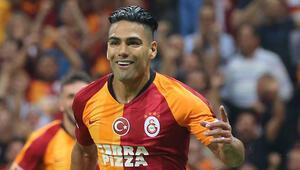 Galatasarayda Radamel Falcao seriye bağladı