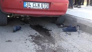 Minibüs yayalara çarptı: Ölü ve yaralılar var