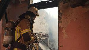 Bursada korkutan yangın...Yaşlı kadını alevler arasında zannettiler