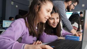 Ayşe Çarmıklı Ortaokulu'na teknoloji sınıfı kuruldu