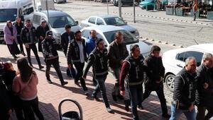 Kocaelide FETÖ/PDY operasyonunda 3 kişi tutuklandı