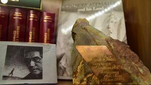 Kırgız ve dünya edebiyatının önemli ismi Cengiz Aytmatovun hayatına kısa bir bakış