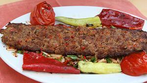 Adana kebabı nasıl yapılır Evde adana kebabı tarifi