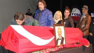 Ünlü sanatçı Kıvanç Uğraşbul son yolculuğuna uğurlandı.
