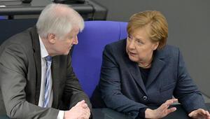'Alalım', 'Almayalım' Almanya'da mülteci kavgası...