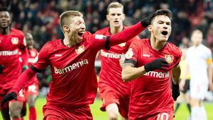 Bayer Leverkusen ve Eintracht Frankfurt yarı finale yükseldi