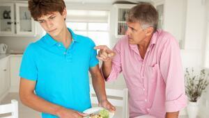 Ergenlik döneminde diyet yapmak sakıncalı