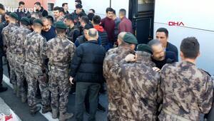 40 Özel Harekat polisi Edirne'ye doğru yola çıktı