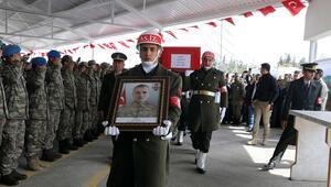 İdlib şehidi sözleşmeli er, Gaziantepte toprağa verildi