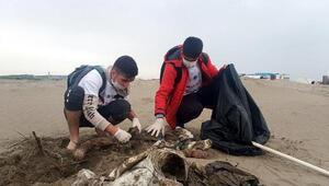 Harbiş Sahilinde 2 ton atık toplandı