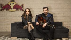 Türkçe Pop Müziğin En Güçlü Kadın Sesi: Sertab Erenerin En Sevilen Şarkıları