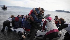 Sahil Güvenlik Komutanlığı: Yunanistan tarafından botları patlatılan 97 sığınmacı kurtarıldı