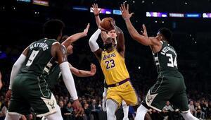 NBAde gecenin sonuçları | Mesaj maçında LA Lakers, Milwaukee Bucksı mağlup etti