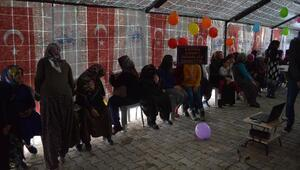 Elazığdaki depremzede kadınlara 8 Mart etkinliği