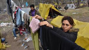 Göçmenlerin Edirne sınırında bekleyişleri sürüyor